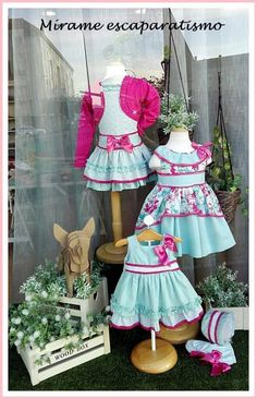 Clothing Booth Display, Clothing Displays, Boutique Decor, Children's Boutique, Baby Store Display, Clothing Store Design, Fashion Showroom, Kids Store, Little Girl Dresses