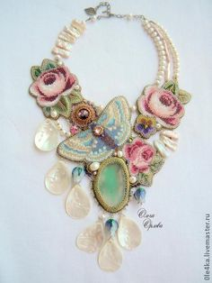 Large collar, flowers necklace, big jewelry.