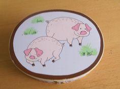vintage Pig box Piggy Pigs Wood Oval Shaker Trinket Storage Box Penny Auctions, Pigs, Decorative Plates, Storage, Box, Vintage, Purse Storage, Snare Drum, Pork
