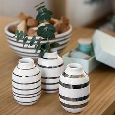 Kähler-vase sølv – se Omaggio-miniatyrvasene med sølvstriper.
