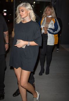 Kylie-Jenner-parties-with-Tyga-Hailey-Baldwin-Kendall-Jenner-and-with-Kanye-West-following-his-MSG.jpg (615×899)