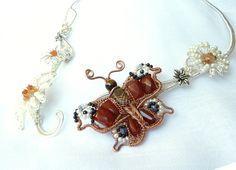 Wire Jewelry, Jewelry Art, Black Tourmaline, Blue Sapphire, Silver Plate, Daisy, Art Pieces, Stones, Butterfly