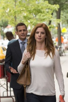 Gabriel Macht and Sarah Rafferty in Suits