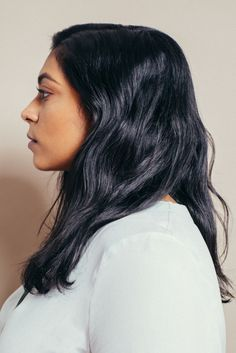 This week's Women With Hair features Ramya Velury, a 24-year-old New Yorker who works in the music industry. Ramya was born with straight hair and then poof! it became wavy seemingly overnight.