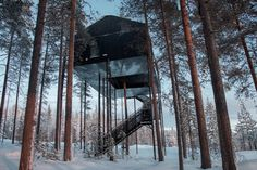 Progettato e costruito dall'azienda Snøhetta, questo hotel nascosto nella foresta svedese permette di ammirare l'aurora boreale da un punto di vista unico