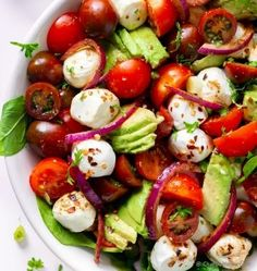 Fresh and delicious Avocado Tomato Mozzarella Salad. Assemble dressing up-to 3 months in advance. Assemble salad in just 10 minutes for anytime refreshing summer dinner side. Mozzarella Salat, Fresh Mozzarella, Classic Salad, Dinner Sides, Pasta Salad Recipes, Side Salad, Summer Salads, Soup And Salad, The Fresh