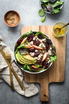 Whole salad with green lentils, beetroot, apple, avocado & feta - Lilie Bakery - LILIE BAKERY - Meat Recipes Batch Cooking, Easy Cooking, Healthy Cooking, Cooking Tips, Cooking Recipes, Healthy Food, Beet Salad With Feta, Veggie Recipes, Healthy Recipes