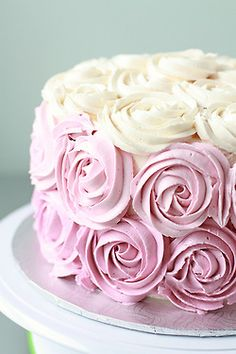 Cake decoration with icing flowers