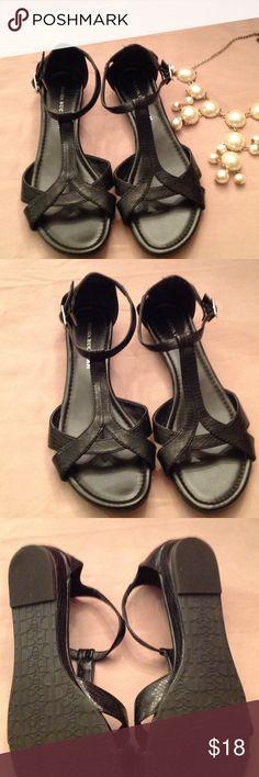 f5d56573448be2 Like new Dana Buchman black sandals. Size 8