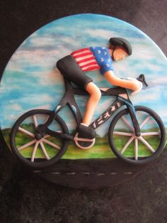 Cyclist fondant top, bike and man. Bicycle Party, Bicycle Cake, Bike Cakes, Mountain Bike Cake, Christian Cakes, Music Cookies, Dad Cake, Sport Cakes, Biscuit