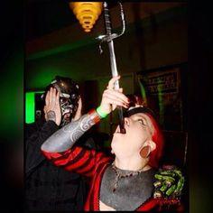 Sid Wilson DJ Starscream Slipknot Reaction of Sid from this amazing person. Sid Wilson, Amazing Person, Slipknot, Music Love, Be A Better Person, Cinnamon Rolls, Scary, Dj, Trust