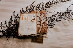 Handpicked Wedding Invitation Ideas You Can Go For. Acrylic Wedding Invitations, Handmade Wedding Invitations, Wedding Invitation Cards, Wedding Cards, Invitation Card Design, Invitation Ideas, Virtual Card, Big Fat Indian Wedding, Make It Simple