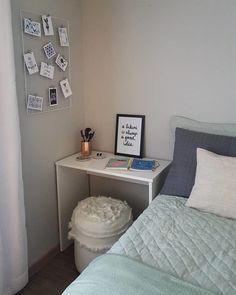 Escrivaninha branca: 60 modelos para decorar seu escritório com classe Rustic Bedroom Design, Home Room Design, Home Office Design, Home Office Decor, Interior Design Living Room, Home Decor, Small Room Bedroom, Bedroom Decor, Home Office Space
