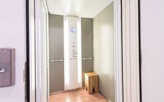 Architektenvilla mit atemberaubendem Panoramablick auf den Bodensee Villa, Bathroom Lighting, Modern, Mirror, Furniture, Home Decor, Sous Sol, Living Dining Rooms, Dressing Room