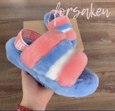 Uggs are not only the most loved but also the most controversial boots on the market. Cute Uggs, Fluffy Shoes, Cute Slides, Ugg Style Boots, Ugg Slippers, Bedroom Slippers, Vegan Boots, Shearling Boots, Fur Boots
