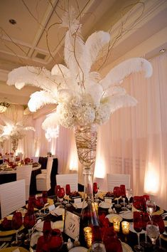 table settings with feathers | Feathers and hydrangeas | Beautiful Table Settings and Centerpieces