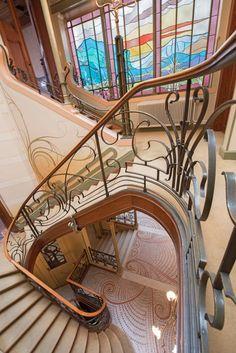 Horta designed the Hôtel Tassel for Belgian scientist Emile Tassel between 1893 and 1894.