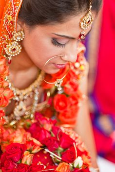 indian bride in bridal jewellery and lehenga