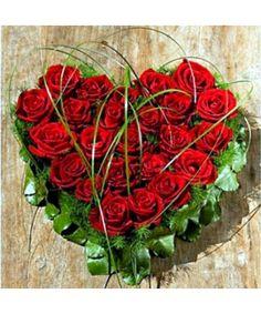 Heart Shapes, Flower Arrangements, Christmas Wreaths, Floral Wreath, Valentines, Vegetables, Holiday Decor, Berlin, Hearts