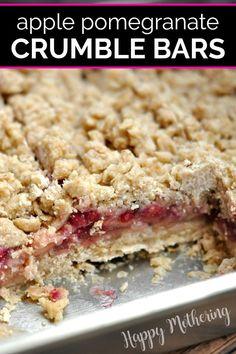 Apple Crumble Pie, Apple Pie Bars, Best Apple Pie, Vegan Crumble, Pomegranate Dessert, Pomegranate Recipes, Pomegranate Seeds, Easy Desserts, Delicious Desserts