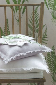 Homes & Garden Aug 2012 Natural Home Decor, Kitchen Linens, Table Linens, Linen Bedding, Bed Pillows, Pillow Cases, Home And Garden, Homes, Pure Products