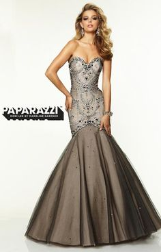 Paparazzi 97096 picture 1  http://www.genealogydresses.com/paparazzi-97096.html
