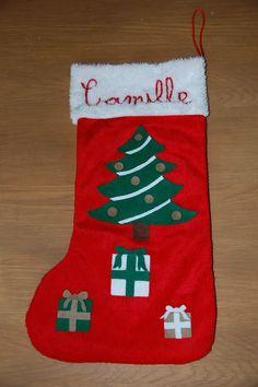 chaussette de Noël sapin et cadeaux en feutrine brodée