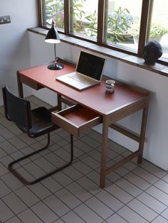 Refined desk with leather top and leather-lined drawers Home Office, Office Desk, Office Essentials, Scp, Orange Leather, Corner Desk, Cool Designs, Furniture, Drawers