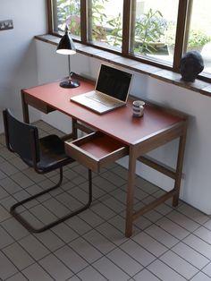 SCP Cedric Desk