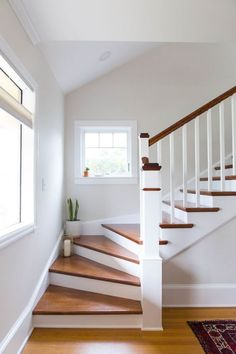 New Staircase Design Ideas House Staircase, Staircase Remodel, Staircase Ideas, Interior Staircase, Staircase With Landing, Staircase Decoration, Home Stairs Design, Stair Design, Staircase Makeover