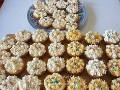 Picture Homemade Dinner Rolls, South African Recipes, Cup Cakes, Foodies, Muffins, Cooking Recipes, Parties, Mint, Baking