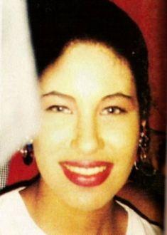 Selena Quintanilla Perez, Smile, Queen, Laughing