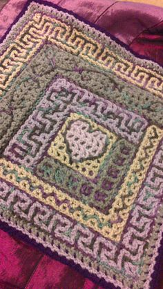 Ravelry: nickerjac's Log cabin border play, an intermeshing crochet project