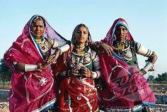 gypsy woman | Banjara Gypsy Women Dressed in Traditional Costume, Rajasthan, India ...
