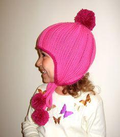 Вот колажик из всех шапок что я навязала на эту осень Маиным подружкам, ну и самой Мае конечно же тоже. Дочурка моя шапки любит. Шапка вяжет...