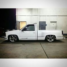 Cool Muscle Trucks - Click Visit link above for more options Chevrolet Silverado, Chevy Stepside, Chevrolet Malibu, Chevy Pickups, Chevrolet Trucks, 2013 Silverado, Jacked Up Trucks, Gm Trucks, Cool Trucks