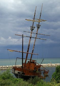Grande Hermine shipwreck replica. Grande Hermine was the name of the carrack that brought Jacques Cartier to Saint-Pierre on 15 June 1535, and upon which he discovered the estuary of the St. Lawrence River and the St. Lawrence Iroquoian settlement of Stadacona (near current-day Quebec City).