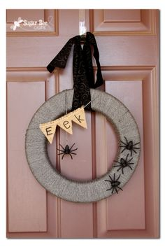 Sugar Bee Crafts: Spider Wreath (interchangeable) #DIY #crafts