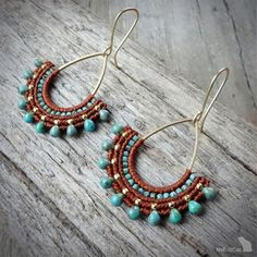 Handcrafted macrame earrings made with linhasita mm thread autumn brown or straw color, 925 sterling silver gold plated beads, MIYUKI beads - Turquoise Blue Picasso , gold plated copper earwires, brass drop. The thin mm linhasita thread gives a Macrame Jewelry, Macrame Bracelets, Wire Jewelry, Tribal Earrings, Beaded Earrings, Hoop Earrings, Macrame Earrings Tutorial, Micro Macramé, Jewelry Patterns