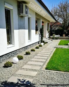 Land Scape, Sidewalk, House Styles, Outdoor Decor, Gardening, Instagram, Home Decor, Decoration Home, Room Decor