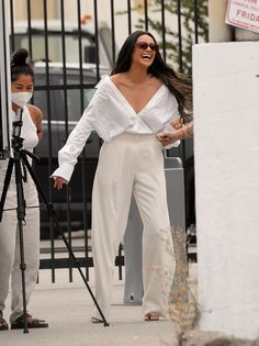 Spring Street Style, Casual Street Style, Autumn Winter Fashion, Spring Fashion, Shay Mitchell Style, Celebrity Look, Celeb Style, Future Clothes, Casual Outfits