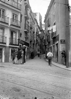 Rua do Salvador (início séc. XX). José Artur Leitão Bárcia, in AML Santo Estevão, Salvador, The Neighbourhood, The Past, Street View, Buildings, History, City, Lisbon Portugal