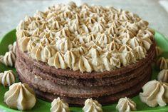 מגדל עוגיות קפה וקינמון עצומות עם קרם שוקולד לבן וקפה | Morcake