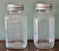 This is a price guide. Learn about values with this vintage canning jar price guide, including manufacturers, dates, and prices. Old Wine Bottles, Bottles And Jars, Glass Jars, Clear Glass, Glass Insulators, Antique Bottles, Vintage Bottles, Recycled Bottles, Wine Glass