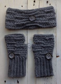 This pattern compliments my Riley line. The pattern comes with instructions for both the fingerless gloves an an ear warmer.