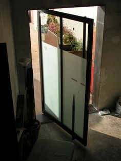 HYPEARC pivot door