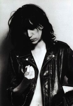 """""""photomusik: Patti Smith photographed by Robert Mapplethorpe """" Robert Mapplethorpe, Patti Smith, Style Masculin, Portraits, Great Women, Female Singers, Punk Rock, Rock And Roll, Style Icons"""