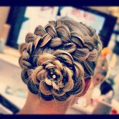 dutch flower braid, I love this braid, and it is soo cute for school or work :-)