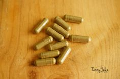 How to Make All Natural Herbs for Pain Relief and Sleeping Pills. They are safer and more affordable alternative to risky pain relief medication and prescription pills. Natural Home Remedies, Herbal Remedies, Health Remedies, Natural Herbs, Natural Healing, Natural Medicine, Herbal Medicine, Herbal Shop, Natural Sleeping Pills