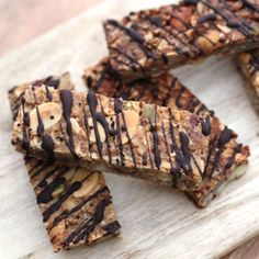 An LCHF alternative to sugar-laden muesli bars. Low Sugar Recipes, No Sugar Foods, Diabetic Recipes, Keto Recipes, Cooking Recipes, Bar Recipes, Healthy Fats Foods, Fat Foods, Healthy Snacks